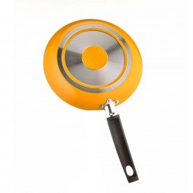 frigideira amarela antiaderente