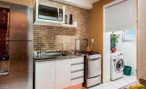 02 cozinhas pequenas e coloridas